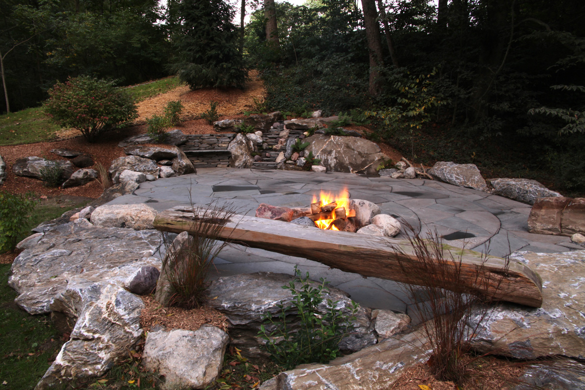 Indian Run Landscaping » Natural Flagstone Patio with Fire Pit on Stone Backyard Patio id=89032